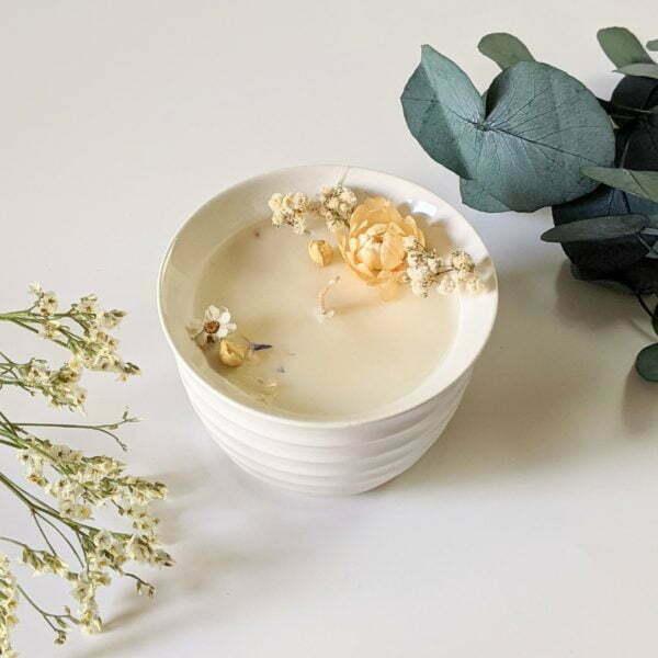 Bougie parfumée poudre de riz & lavande à la cire de soja et fleurs séchées, naturelle artisanale, Gloria