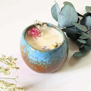 Bougie parfumée bergamote, mandarine, basilic, à la cire de soja et fleurs séchées, naturelle artisanale, Vera