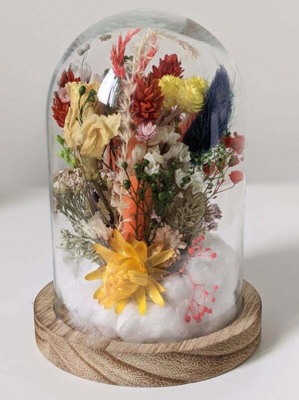 Cloche en verre de fleurs séchées et fleurs préservées pour décoration d'intérieur, Flora 3
