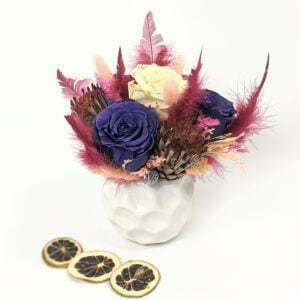 Composition de roses stabilisées et fleurs séchées pot en céramique, Agapé