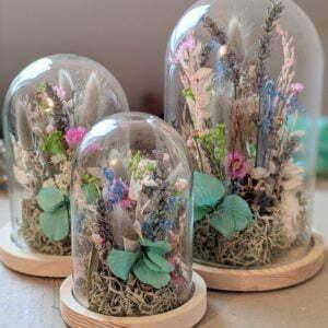 Cloche en verre avec fleurs séchées & fleurs préservées pour décoration d'intérieur peps, Ella