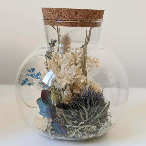 Cloche en verre, fleurs stabilisées & fleurs séchées pour décoration d'intérieur, Joy 4