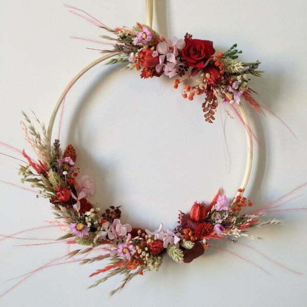 Couronne murale de fleurs éternelles & fleurs séchées, Valentine