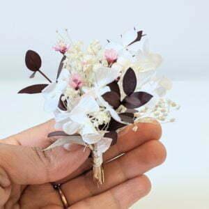 Boutonnière de fleurs séchées et fleurs stabilisées, Aphrodite