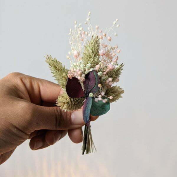 Boutonnière de fleurs séchées et fleurs stabilisées, Mona 2