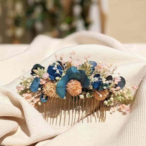 Peigne à cheveux fleuri pour coiffure de mariage en fleurs séchées & fleurs stabilisées, Mona 2