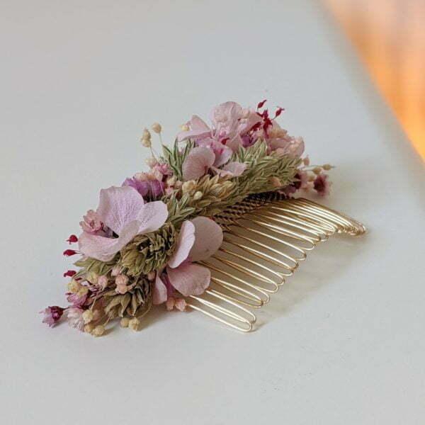 Peigne à cheveux fleuri pour coiffure de mariage en fleurs séchées & fleurs stabilisées, Romy 3