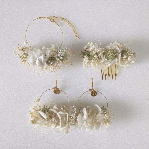 Bracelet de mariée artisanal en fleurs stabilisées & fleurs séchées, Luna 4