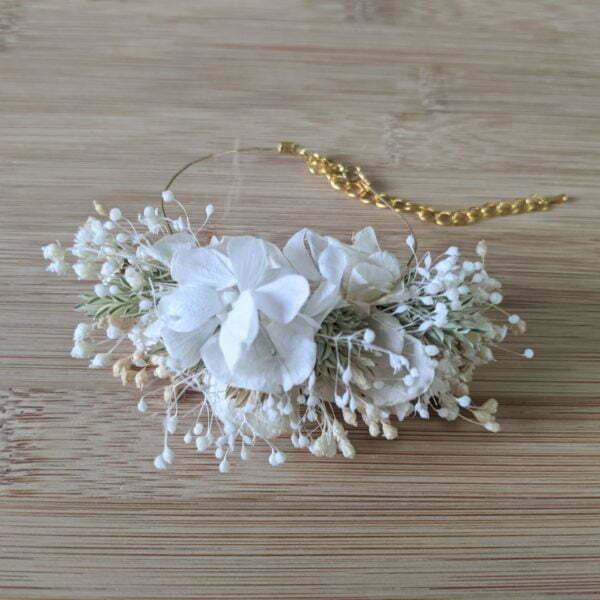 Bracelet de mariée artisanal en fleurs stabilisées & fleurs séchées, Luna