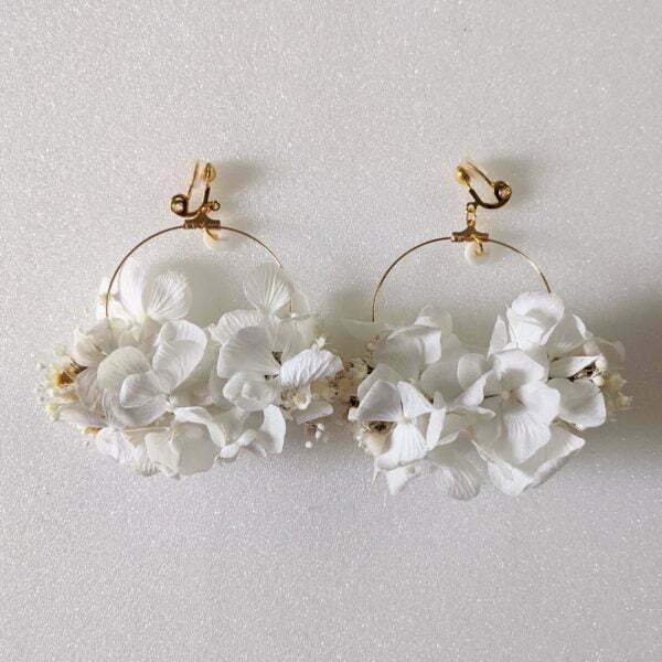 Boucles d'oreilles créoles en fleurs stabilisées, Naëlle