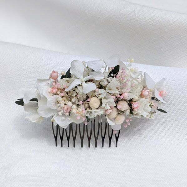 Peigne à cheveux fleuri pour coiffure de mariage en fleurs séchées & fleurs stabilisées, Rafaela 2