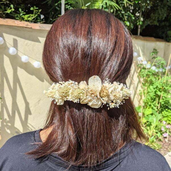 Barrette à cheveux fleurie pour coiffure de mariage en fleurs séchées & fleurs stabilisées, Luna 4