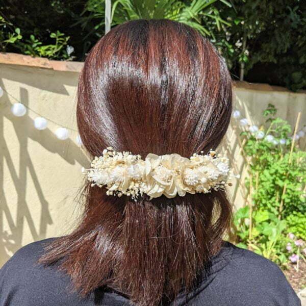 Barrette à cheveux fleurie pour coiffure de mariage en fleurs séchées & fleurs stabilisées, Luna 3
