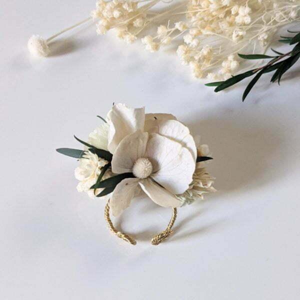 Bague de mariée artisanale en fleurs séchées & fleurs stabilisées, Inès 3