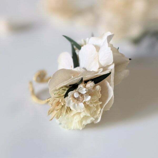 Bague de mariée artisanale en fleurs séchées & fleurs stabilisées, Inès 2