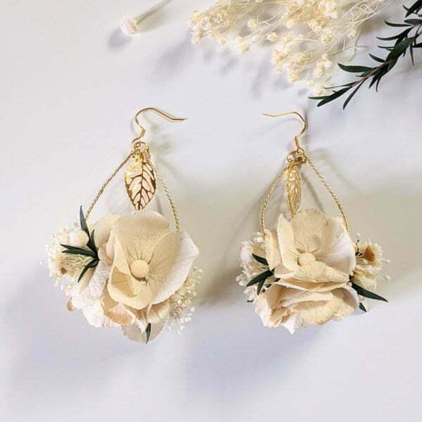 Boucles d'oreilles de mariée artisanales en fleurs séchées & fleurs stabilisées, Inès 2