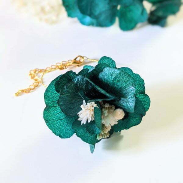 Bracelet de mariée artisanal en fleurs séchées & fleurs stabilisées, Malèna 2