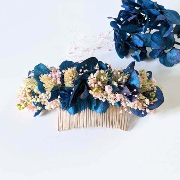 Peigne à cheveux fleuri pour coiffure de mariage en fleurs séchées & fleurs stabilisées, Mona 3