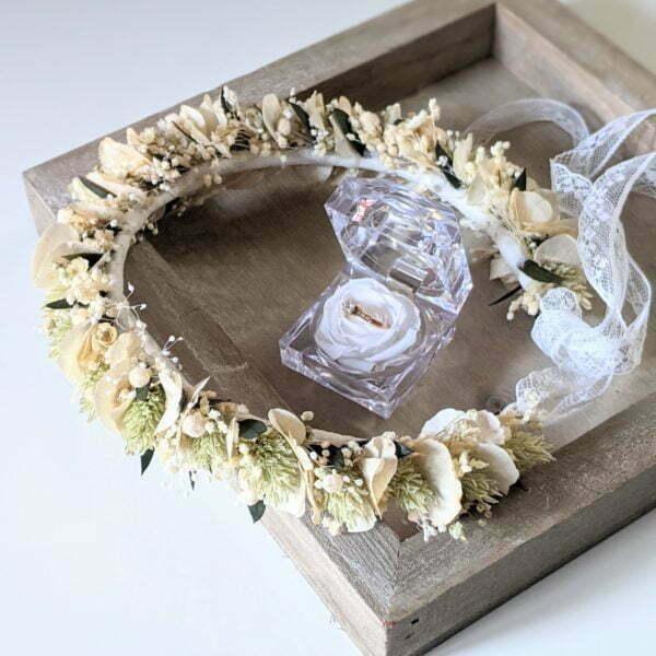 Couronne de cheveux pour coiffure de mariage en fleurs séchées & fleurs stabilisées, Inès 2