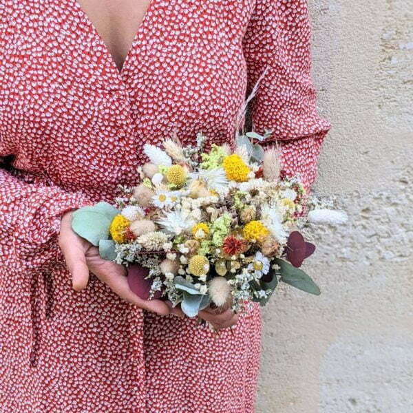 Bouquet de mariée en fleurs séchées & fleurs stabilisées dans les tons jaunes, rouges, beiges, Elvira 3