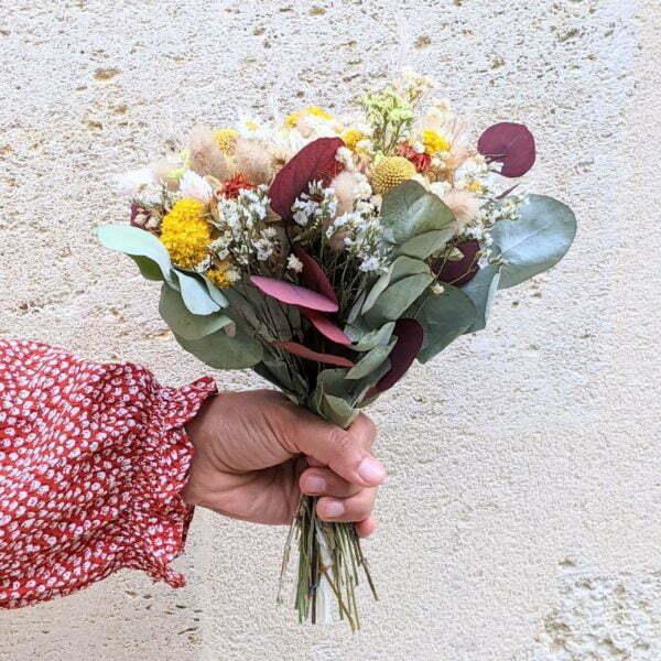 Bouquet de mariée en fleurs séchées & fleurs stabilisées dans les tons jaunes, rouges, beiges, Elvira 4