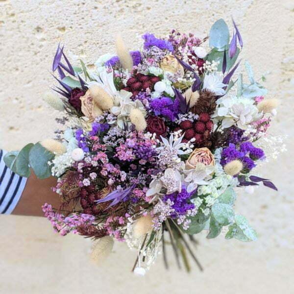 Bouquet de mariée avec roses séchées et hortensias stabilisés dans les tons bordeaux, verts, lilas, Oum 3