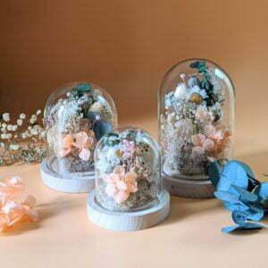 Cloche en verre avec fleurs séchées & fleurs éternelles pour décoration d'intérieur bohème, Lupita