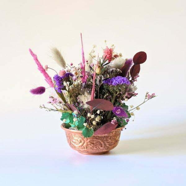 Composition de fleurs stabilisées et fleurs séchées pot en cuivre vintage, Rama 2