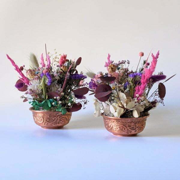 Composition de fleurs stabilisées et fleurs séchées pot en cuivre vintage, Rama